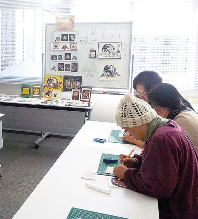 切り絵教室@えびな市民活動センター ビナレッジ