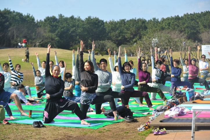 辻堂海浜公園で「シニアヨガ」丁寧に学べて腰痛対策も【毎月第2日曜】