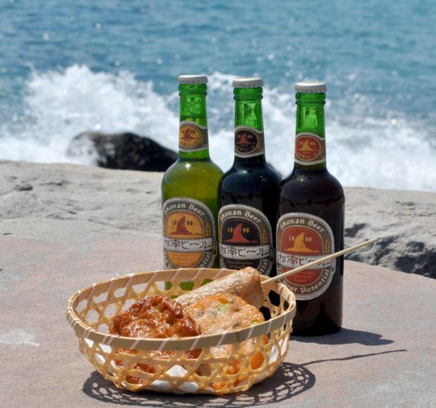 食べ歩きに「じねんじょ棒」お酒も楽しめる、海まで60mの小田原かまぼこの老舗「鱗吉(うろこき)」