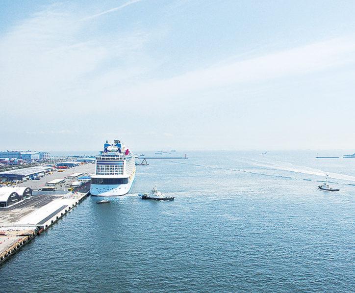 横浜ベイブリッジ併設「スカイウォーク」一部開放と大黒ふ頭客船見学会
