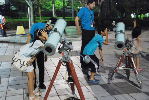 「夏にみられる星と星座を観察する特別星空観察会」@はまぎん こども宇宙科学館