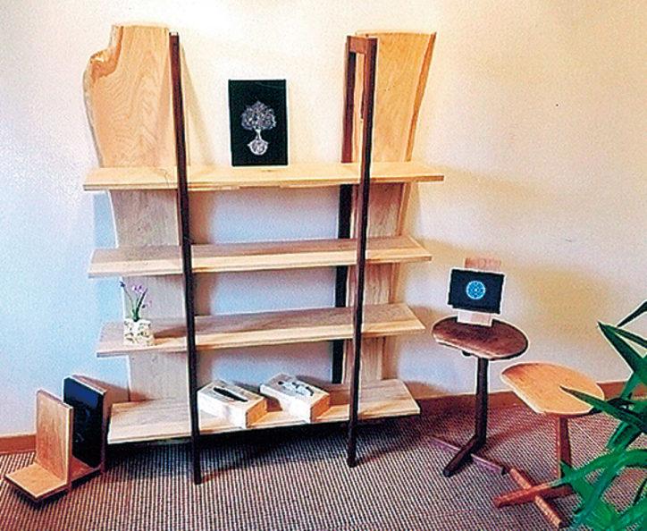 「大工・齊藤登展」飾り棚やサイドテーブル、ブックエンドなど約50点を展示