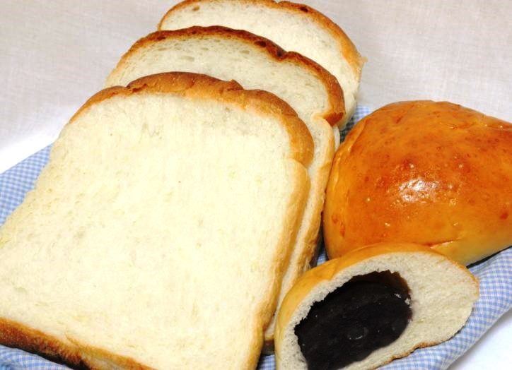 コスタのパンや焼菓子が魅力!二宮工業団地内で「よるべふれあい祭り」音楽演奏や抽選会も