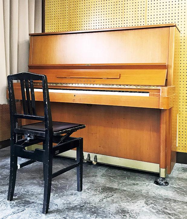 川崎ルフロン前に『街角ピアノ』9月14日から3週間~キッチンカーや移動図書館も