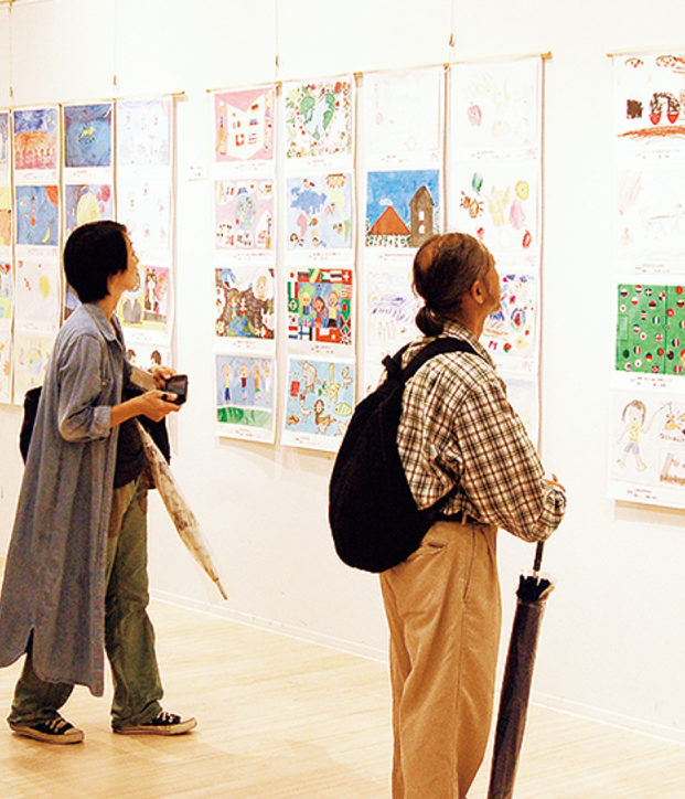 芸術を楽しむ子どもが描く「2030年」大和駅周辺で入場無料イベント