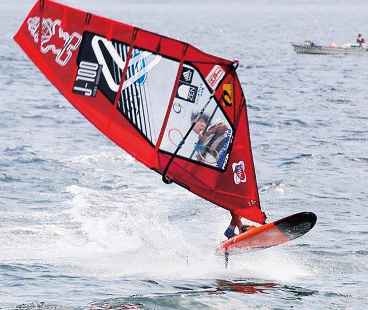間近でウインドサーフィン「全日本フリースタイルトーナメント 津久井浜大会  2019」【横須賀市】