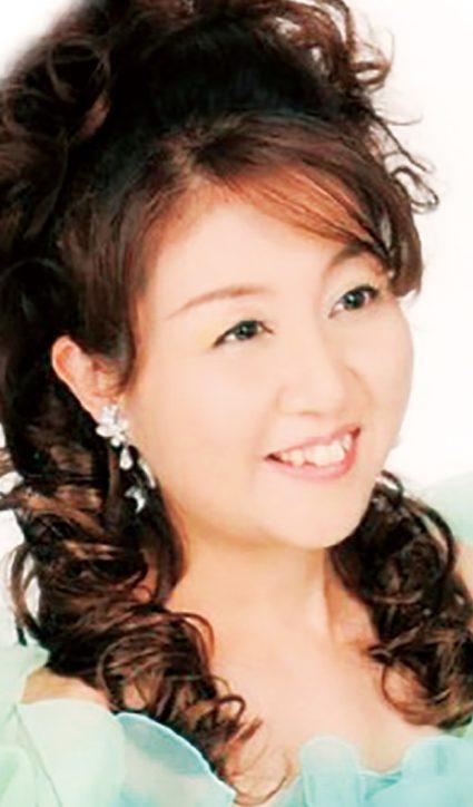 歌手・大村みのりさん 町田「桜美林ガーデンヒルズ」のサ高住でクリスマスコンサート