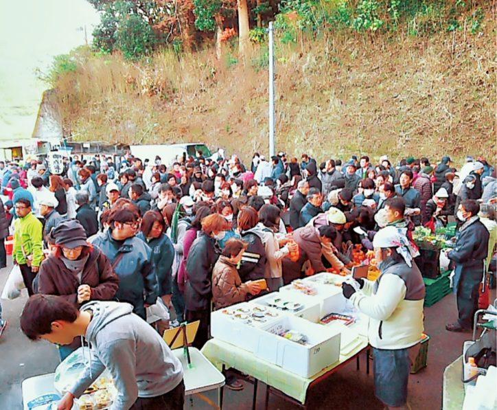 三浦・岩沢ポートリー「たまご野の朝市」7周年記念 マフィンやスープに厚焼玉子サンドなど