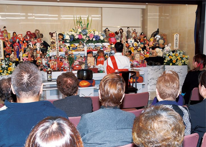 イベント多数の「大感謝祭」横浜・南で人形供養に写真撮影、大抽選会や豚汁の無料提供も