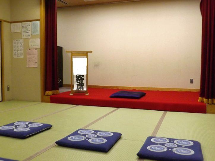 座間・東原コミュニティセンターで「 第6回文化講座」古橋彰氏が健康ネタの落語を披露