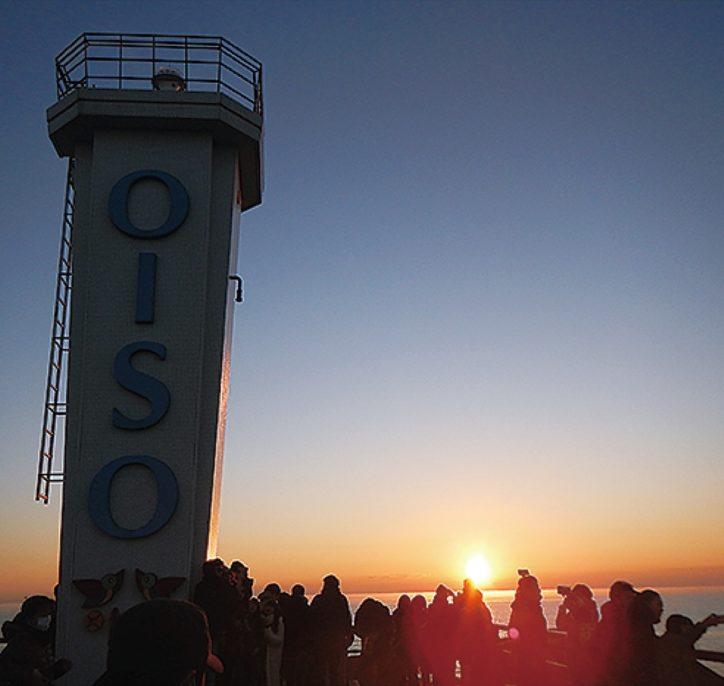【2021年は特別開放中止】大磯港の西防波堤遊歩道