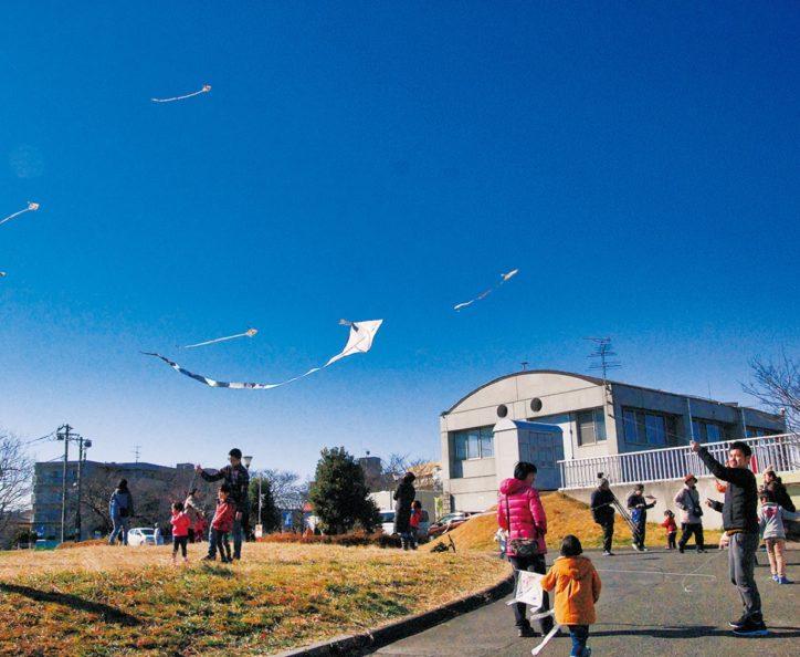 川崎で「凧づくり凧あげ教室」自分で描いた凧をあげて楽しもう【申込不要・現地集合】