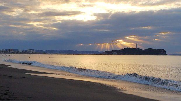 2021年初日の出を湘南「辻堂海岸」で!江の島から雪化粧の富士山まで
