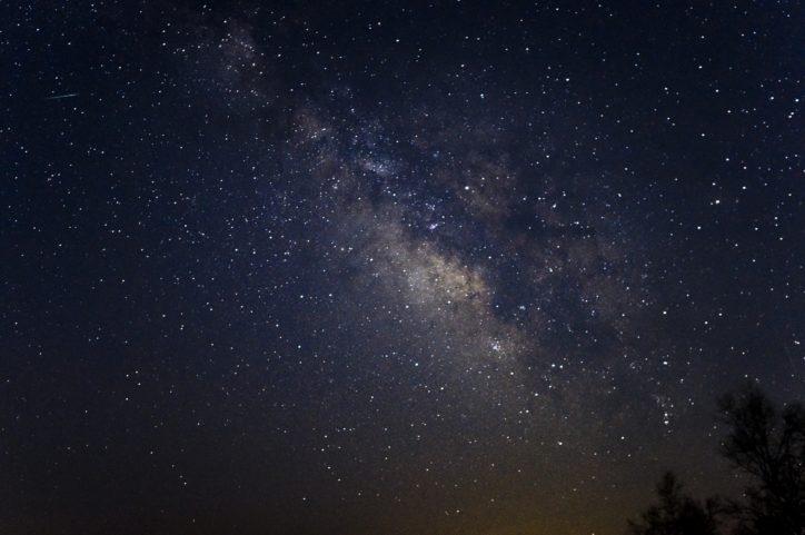 100万個の星空輝く宇宙空間 小田原ダイナシティに移動式プラネタリウム登場