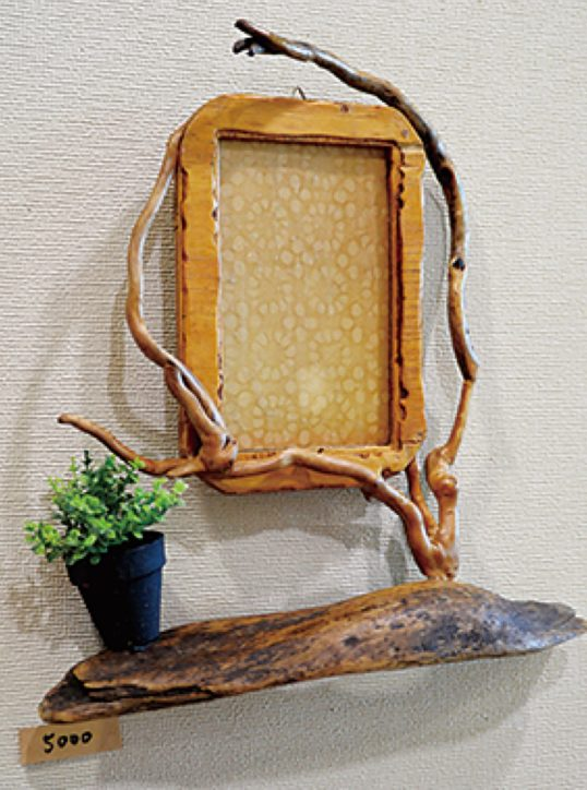 <入場無料>小田原フラワーガーデンで流木アート展