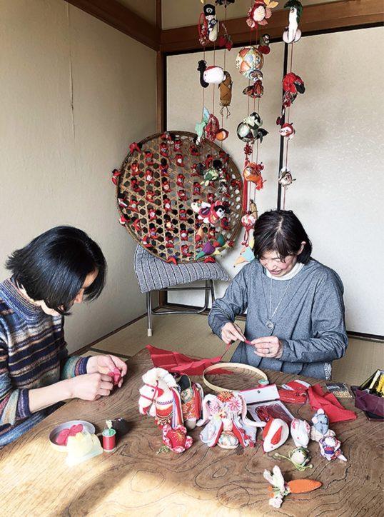 「つる雛まつり」町田市の愛好会が作品展示 100年前のひな人形や昭和初期のひな御殿なども