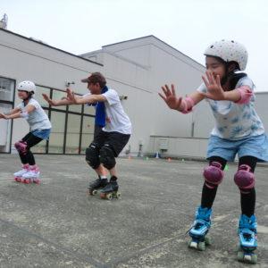 【取材レポ】ジャニーズの指導者が横浜で「こどもローラースケート教室」子どもの正しい姿勢づくりにも効果的!