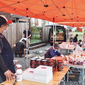 開成町のイタリアンレストラン「グロッタブルー」でマルシェ開催!地元の食材が並ぶ!