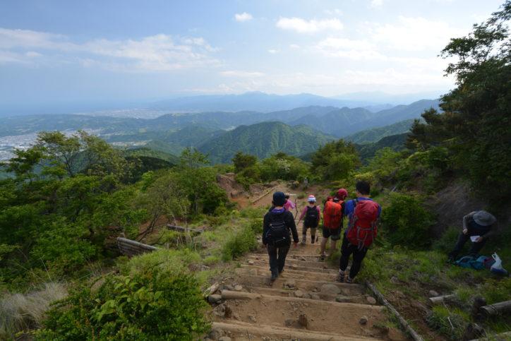<登山を始める人へ>遭難救助ヘリは1分1万円かかる…「日山協山岳共済会」の山岳保険で万一の備えを