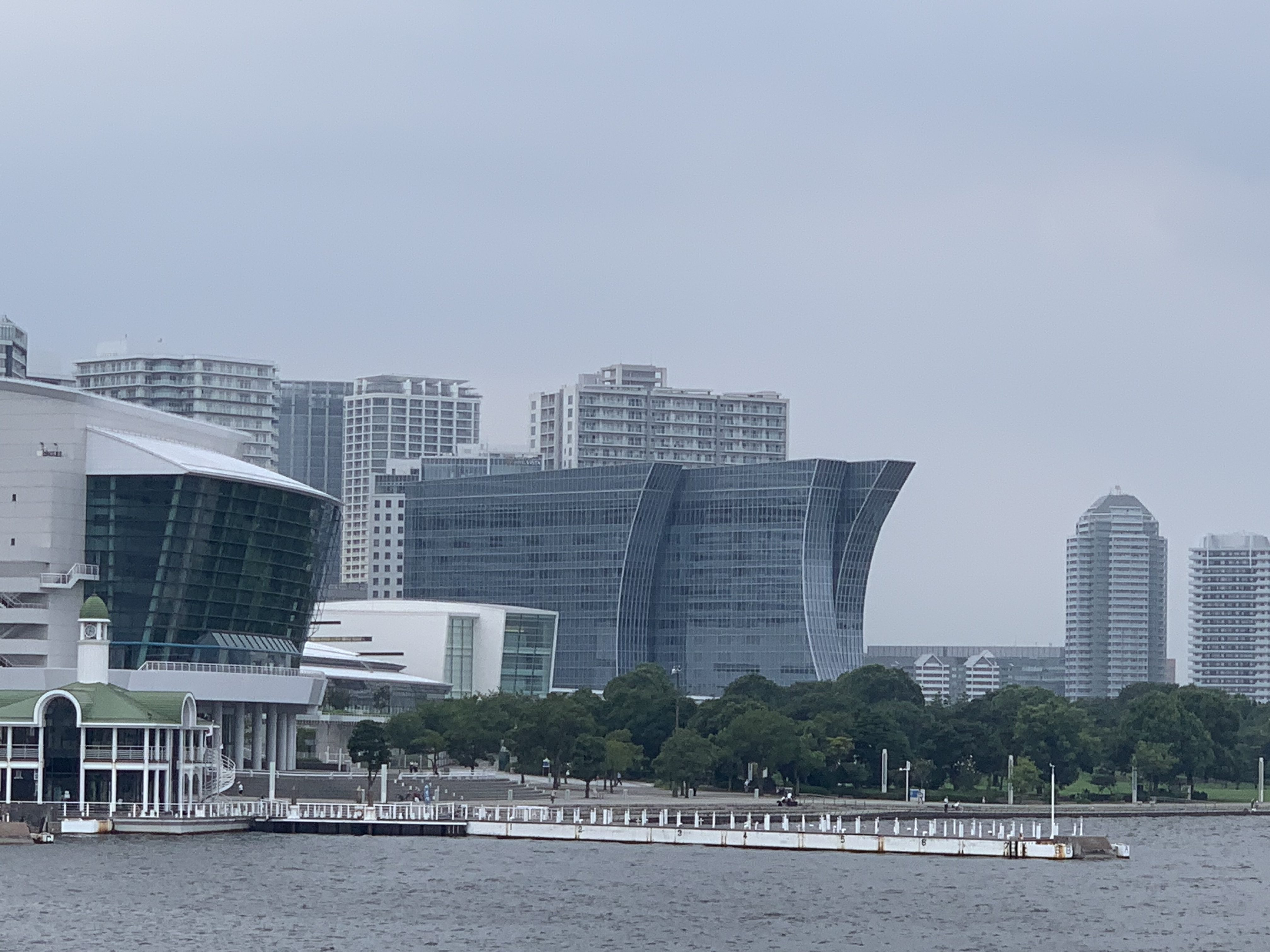 新港ふ頭ハンマーヘッド「新たな横浜の名所に」パークとデッキが完成