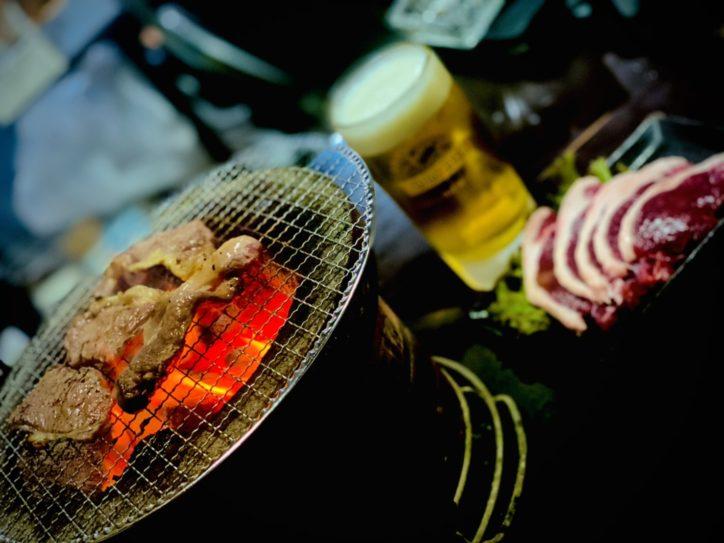 食べ比べ「猪鹿炭火焼」880円:時代輪屋(ときわや)/鶴巻温泉でジビエキャンペーン