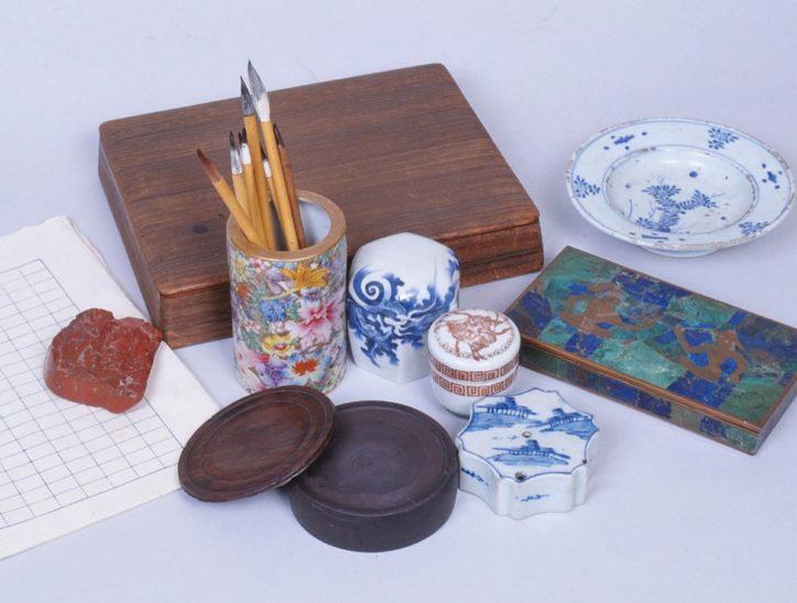 特別展「川端康成、美しい日本」愛用品の机や原稿など展示@鎌倉文学館