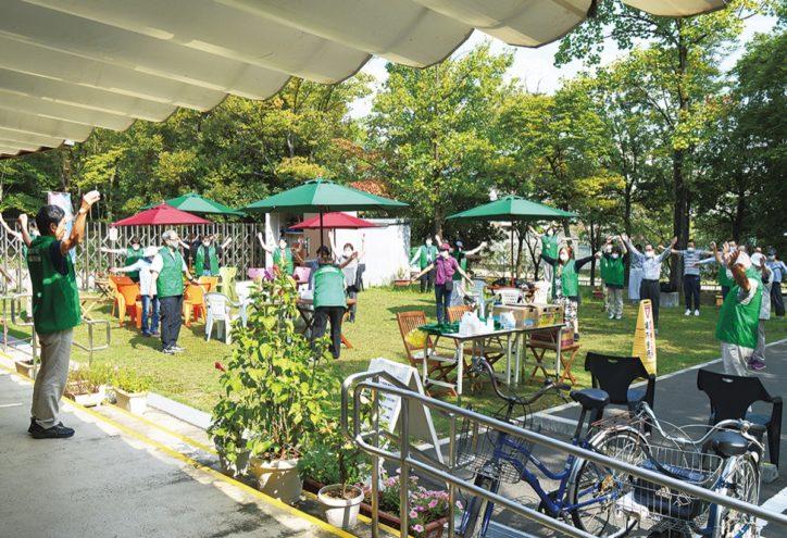 荏田西コミュニティハウス前に「憩いの広場」開設~ 土日はラジオ体操も【青葉区】