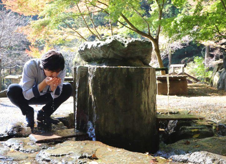 <動画付き>はだのふるさと大使・合田雅吏さんと行く「秦野名水巡り」弘法の清水や紀伊ノ守水源にも特別潜入してきた