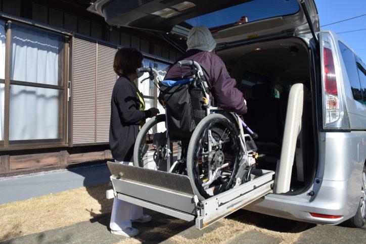 みどり歯科医院の無料送迎では車椅子に乗ったまま乗車ができます