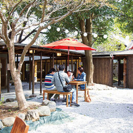 和カフェ 絆:バラエティー豊かな食が 織りなす味の饗宴【宮ヶ瀬水の商店街】
