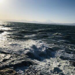 ここが江の島の端っこ!空と海に包まれる稚児ヶ淵