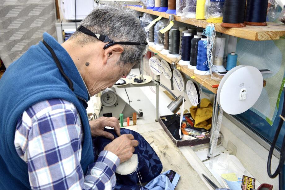縫製歴約60年の奥山さんがいる「洋服のリフォーム奥山」