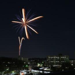花火が上がる横浜市旭区の「左近山団地」は大学生が地域を元気に!従来の団地のイメージを変える