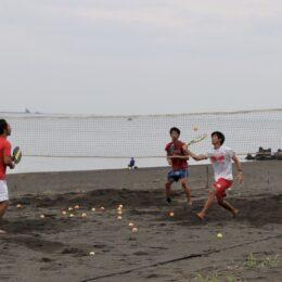 ビーチテニスで共同生活 全国から茅ヶ崎に選手が移住&集結!海まで5分の戸建て暮らしを潜入レポート