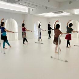 【バレエ教室体験レポ】江田駅すぐ「高山まなみバレエアカデミー」でキレイな姿勢に!大人向けも楽しく