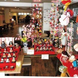 街角におひなさま!小田原のピアノカフェ伊勢治で手作りのひな人形を展示!