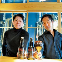 川崎の工場夜景をイメージしたクラフトビール「黒に浮かぶ」発売中@東海道BEER川崎宿工場