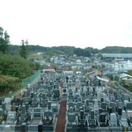 アクセス良く、自然豊かな「綾瀬中央霊園」の永代供養墓「博愛の絆」19万円~が人気のワケ。