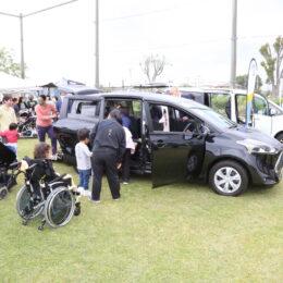 災害時、車を「居場所」に。茅ケ崎養護学校がトヨタモビリティ神奈川と共同で体験会