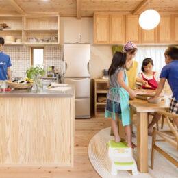 <海老名駅から徒歩3分>自然素材・木の家にこだわった注文住宅は「ひもろぎ」で!建ててからの生活も大事に考えます