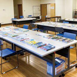 <川崎市>令和4年度に使用する教科書見本の展示会、 高校用を中心に約400冊