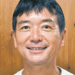 シンガーソングライター「うまけん」こと馬川賢一さんが 地元カフェでコンサート@鶴川団地センター名店街