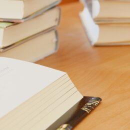 7月27日、28日、30日 海老名市立有馬図書館で夏休みの宿題(7月22日締め切り)