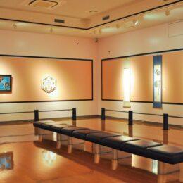 閉会日間近!「エスプリ」香る特別企画展「第2回現代日本アーティスト展・第2期」開催中@町田市:西山美術館