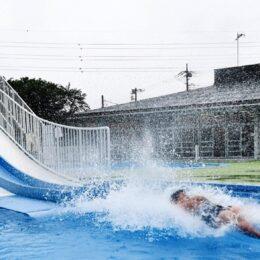 寒川町営プール「Hayashiウォーターパークさむかわ」に8年ぶりの水しぶき