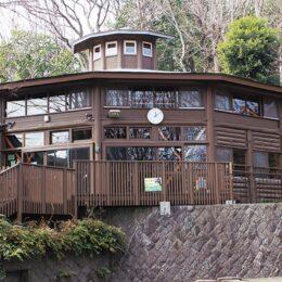 【横浜市都筑区】 夏休みに行ってみよう、ログハウスで冒険@かもいけランド