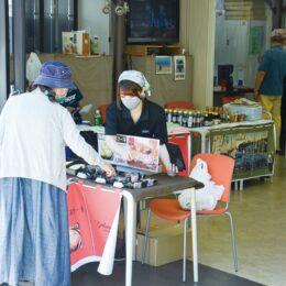 反町駅前に逸品ずらり「かながわ宿ブランド物産展 」次回は9月25日