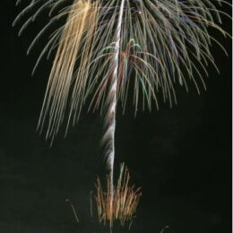 <撮影動画付き>TOTO茅ヶ崎工場の打ち上げ花火を取材。地域住民や医療従事者に感謝の思いを込めて