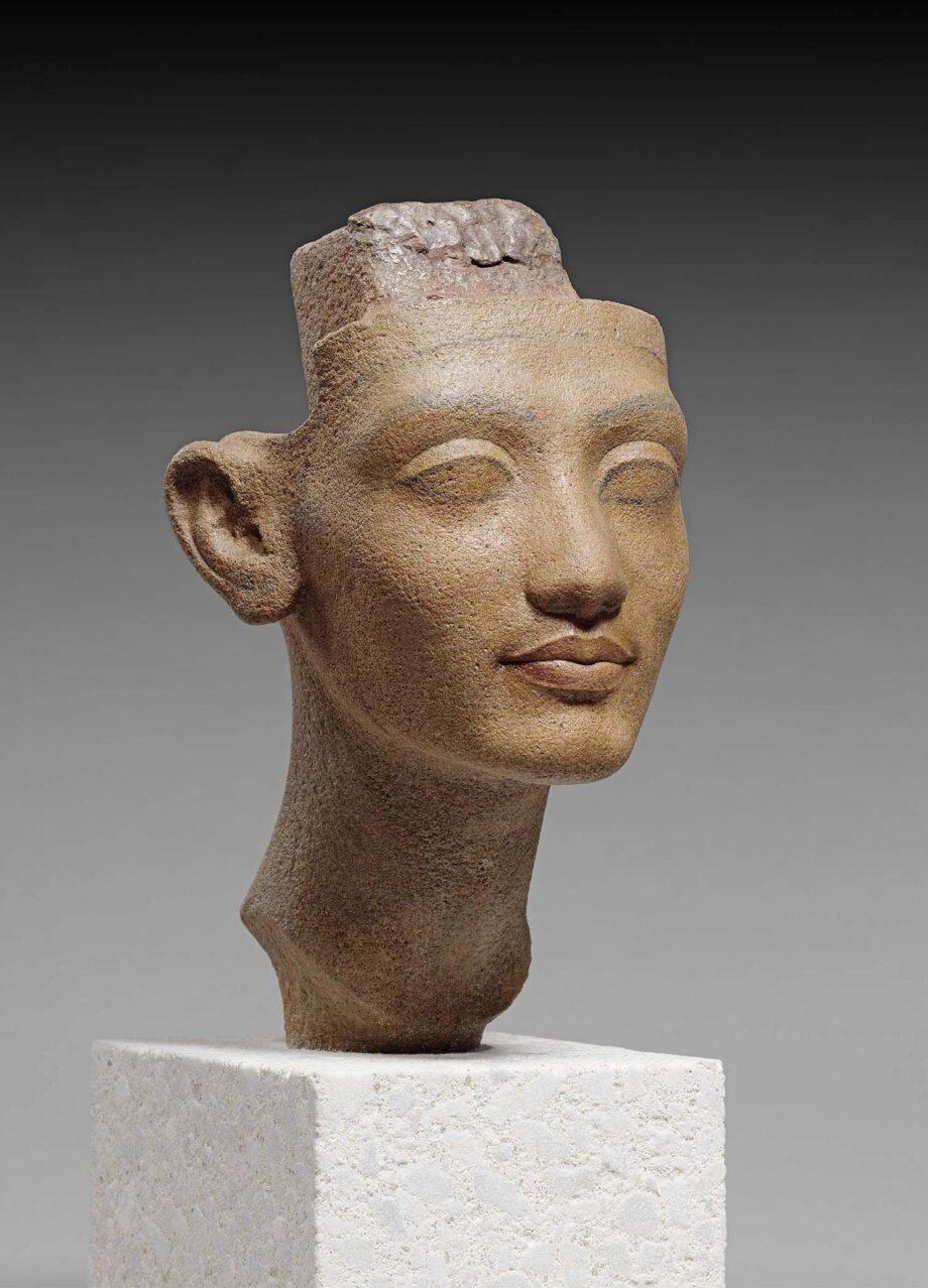 ネフェルティティ王妃あるいは王女の頭部 前1351~前1334年頃